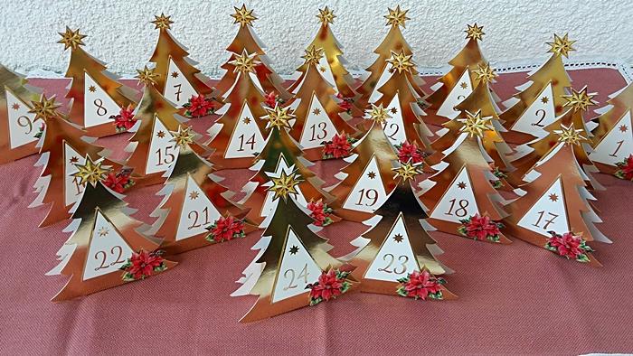 Weihnachtskalender Tannenbaum.Adventskalender Tannenbaum Geschenkboxen Teesträuße Und Teegeschenke